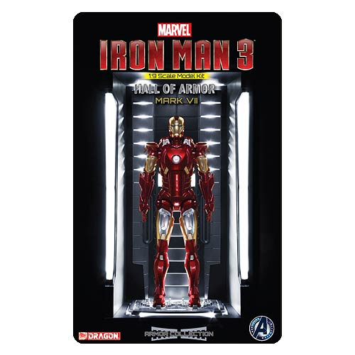 Iron Man 3 Mark 7 with Hall of Armor 1:9 Scale Model Kit